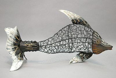 Metalen vis gevlochten
